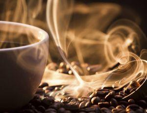 Boire deux à trois tasses de café par jour permettrait de limiter les troubles de l'érection