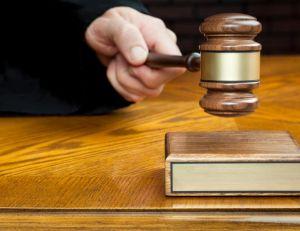 En cas d'infraction au Code de la Route, un juge peut invalider un permis de conduire.