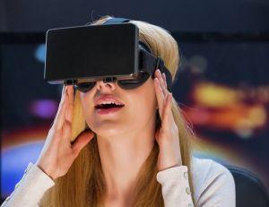 Tout porte à croire qu'Apple s'apprête à prendre à son tour le tournant des casques de réalité virtuelle