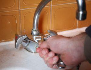 changer un robinet remplacer un robinet par un mitigeur. Black Bedroom Furniture Sets. Home Design Ideas