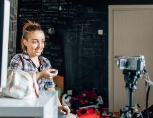 """""""Cher moi du futur"""" : des ados se postent des messages pour l'avenir sur YouTube"""