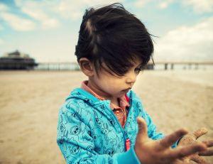 Une étude affirme que le sable contient nettement plus de bactéries qu'on ne l'imagine... - Philippe But / Flickr CC.