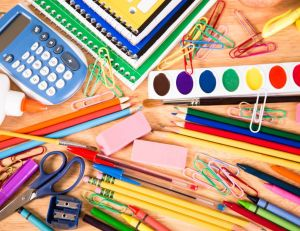 Choisir les fournitures scolaires de la rentrée / iStock.com -fstop123