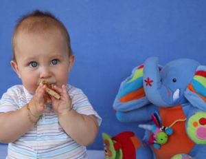 Choisir entre une nourrice et la crèche