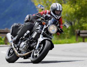 Choisir entre une moto et un scooter