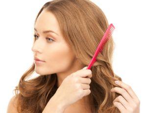 Que faire contre la chute de cheveux saisonnière ?