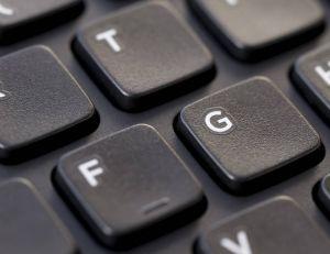 Quid d'une modification du clavier AZERTY pour faciliter l'orthographe du français ?