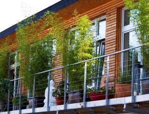 comment viter le vis vis sur son balcon. Black Bedroom Furniture Sets. Home Design Ideas