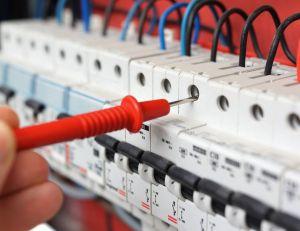 Connaître les normes locatives pour les installations électriques / iStock.com -BernardaSv