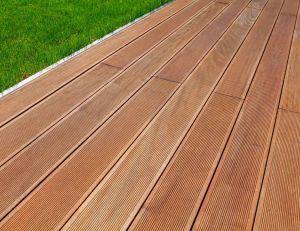 Conseils et astuces pour entretenir une terrasse en bois