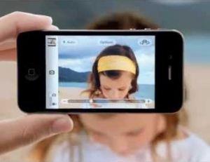 Evitez de tenir votre iPhone à une main - Apple ©
