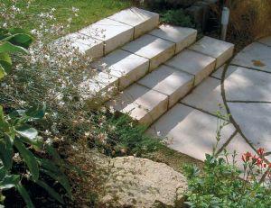 Escalier en pierre construire un escalier en pierre for Construire un escalier droit