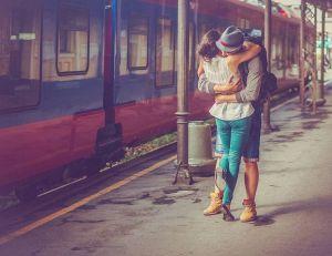 Couple : comment réussir une relation à distance ? / iStock.com -gruizza