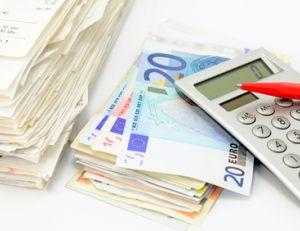 Crédit renouvelable : loi Lagarde et risques de surendettement