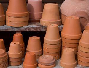 Customiser ses pots en terre cuite / iStock.com - Chapin31