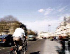 Les cédez-le-passage au feu rouge pour les cyclistes modifient substantiellement les règles pour les habitués du vélo, à Paris...