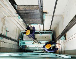 Devenir ascensoriste : un métier d'avenir ?