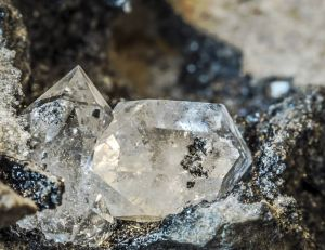 Diamant, graphite et Q-Carbone, les trois formes cristallisées du Carbone