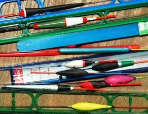 Une toute petite partie du matériel d'un pêcheur moderne de gardon