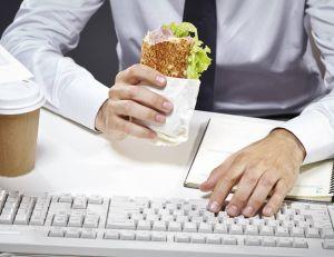 Quid des meilleures habitudes à prendre pour mieux manger au travail ?