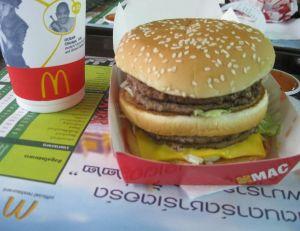 Les effets du Big Mac sont aussi dévastateurs que ceux du Coca Cola... - Copyright Lawtonjm / Flickr CC.