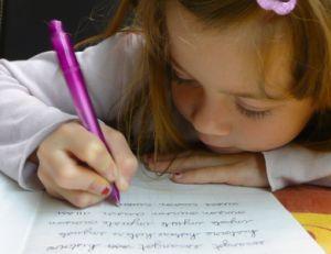 Savoir si votre enfant est  gaucher ou droitier