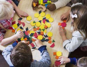 Comment préparer son enfant à la maternelle ? / iStock.com - MomJunction