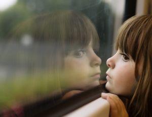 Enfant voyageant seule