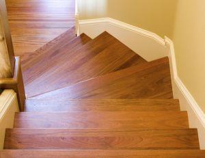 Comment s'y prendre pour décaper un escalier ?