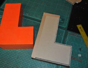 Comment fabriquer une lettre 3D en carton