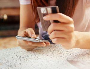 Faux numéro : que faire en cas d'arnaque téléphonique ? / iStock.com -oatawa