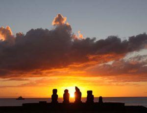 île de Paques : statues Ahu Tahai © Chili Excepción