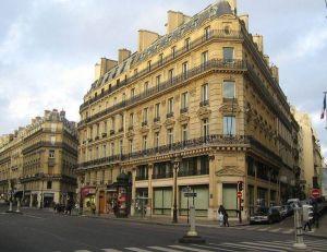 Un immeuble parisien au niveau de l'avenue de l'opéra -© Wikimedia CC. / Thierry