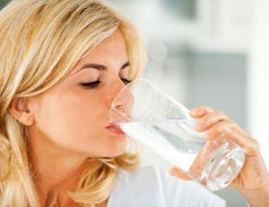 Hydrater son corps régulièrement