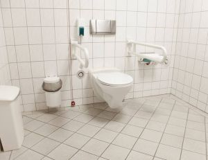 Installer des WC pour personnes handicapées