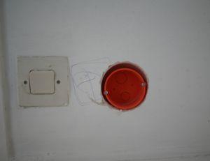 Percer le trou pour interrupteur encastré