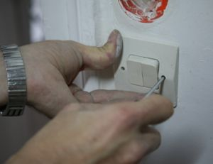 Installer un interrupteur va et vient