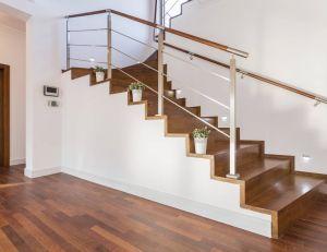 Installer un monte-escalier droit