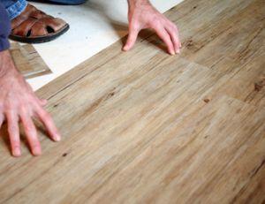Pose de revêtement de sol en PVC