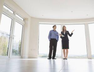 Les agences immobilières seraient plus de 4 sur 10 en France à ne pas respecter le plafond de leurs honoraires