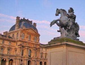 Les principaux lieux culturels à Paris : le Louvre