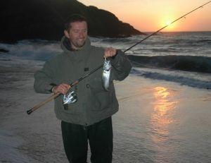 La pêche du bord les soirs d'été peut être très rentable