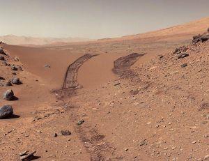 Traces laissées sur le sol martien par le Rover Curiosity