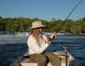 Le matériel conçu pour les gros poissons tropicaux fonctionne très bien pour le silure