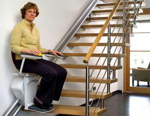 Choisir un monte-escalier © Jade/ www.atitud.fr