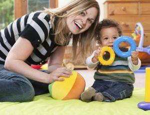 Les tarifs des baby sitter ont augmenté légèrement, en France, ces derniers mois