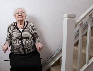 Obtenir une aide financière auprès de l'Anah pour un monte-escalier / iStock.com -BM Photography