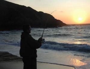Le crépuscule, le meilleur moment pour pêcher durant l'été