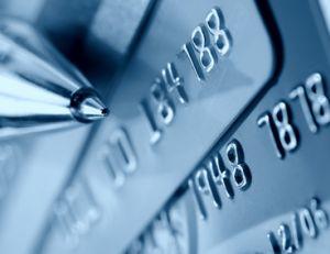 La carte de crédit personnalisée peut être un bon outil de communication