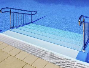 Choisir son escalier pour piscine